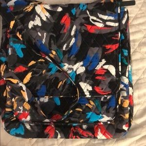 Vera Bradley NWT Mailbag crossbody splash floral